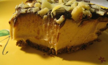 Vegan Peanut Butter Mousse Cup Pie
