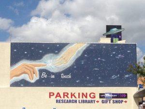 Roswell Alien Street Art | Vegan Nom Noms