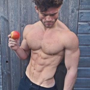 HOW TO GAIN WEIGHT ON A VEGAN DIET
