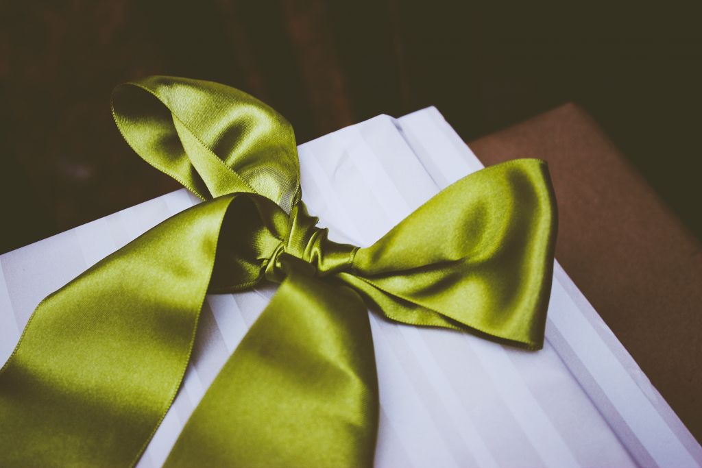 box with a satin bow