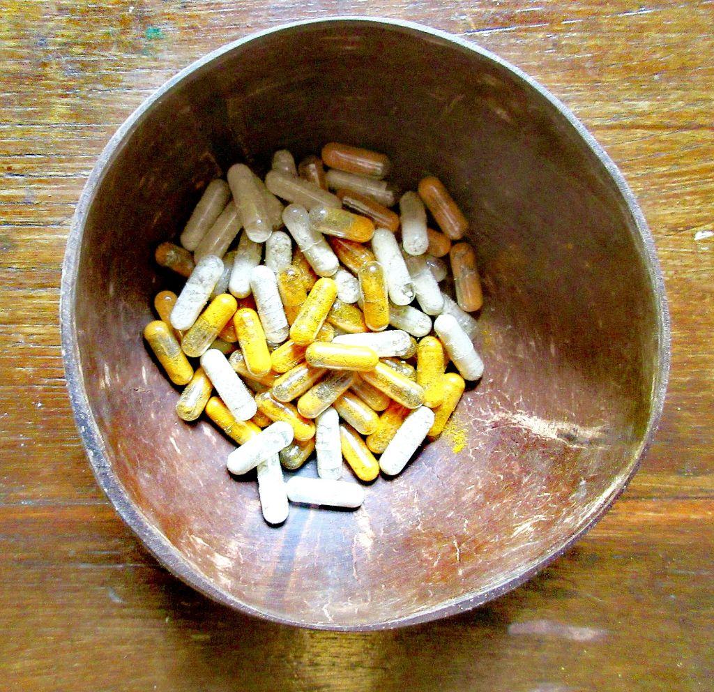 amla and turmeric capsules