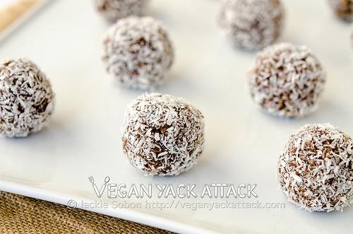 Cocoa-nut Quinoa Bites
