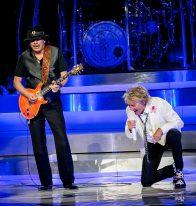 Carlos Santana joins Rod Stewart