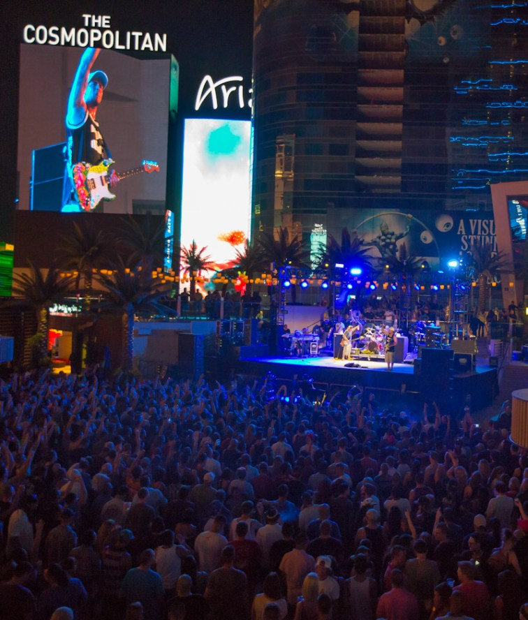 Slightly Stoopid Performs at Boulevard Pool