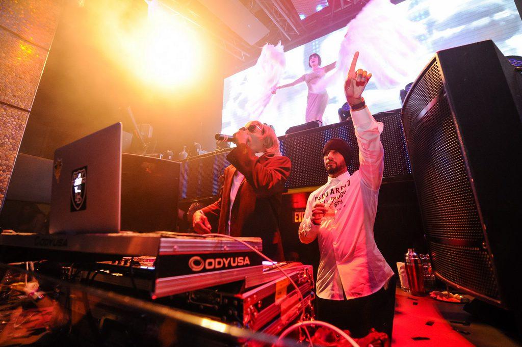 Snoop Dogg and Swizz Beatz at TAO