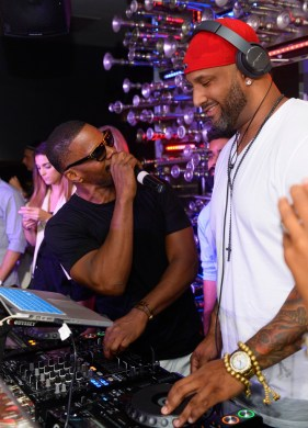 Jamie Foxx and Derrick Anthony behind the turntables at Hyde Bellagio
