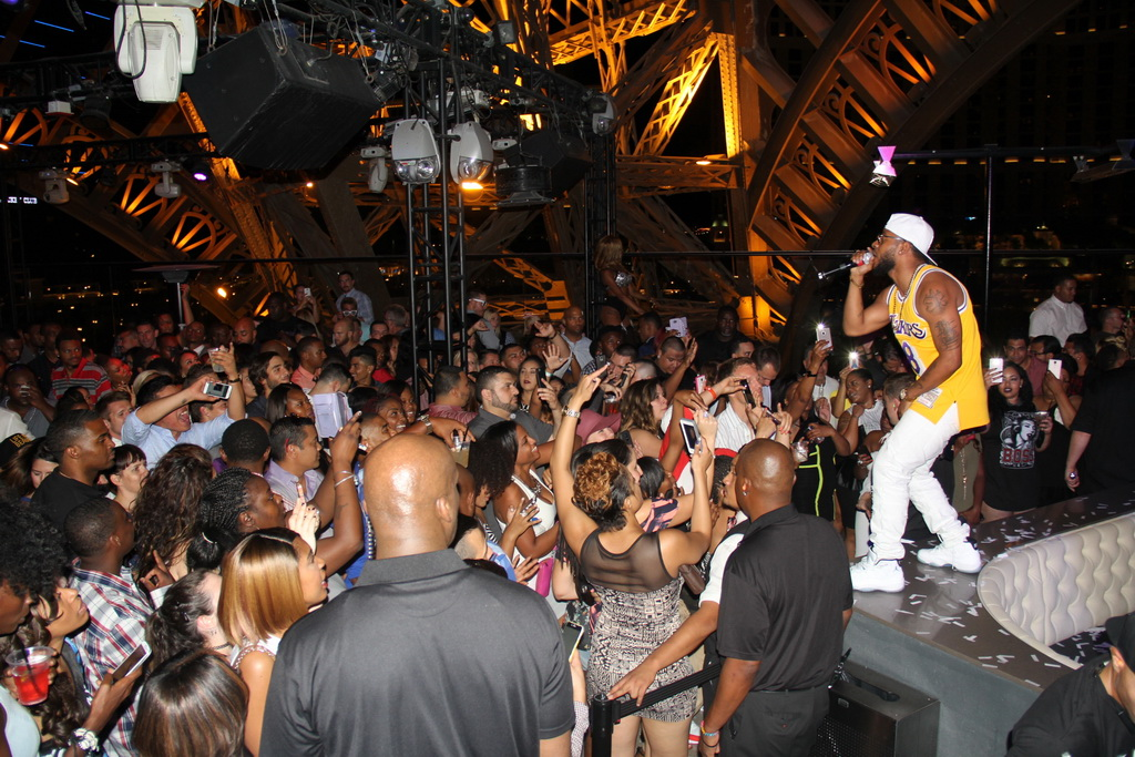 Eric Bellinger at Chateau Nightclub