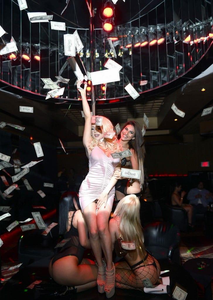 Courtney Stodden with Money Gun