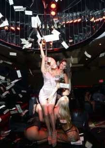 Courtney Stodden with Money Gun
