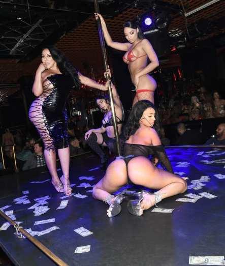 Kiara Mia with Entertainers on Stage