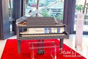 Liberace's Baldwin grand piano