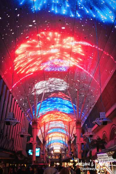 Viva-Vision-Light-show-fremont-street-experience-3ws