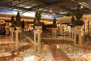 Christmas at Palazzo Shoppes