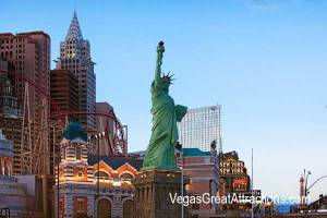Las Vegas New York-New York Complex and Statue of Liberty on the Strip