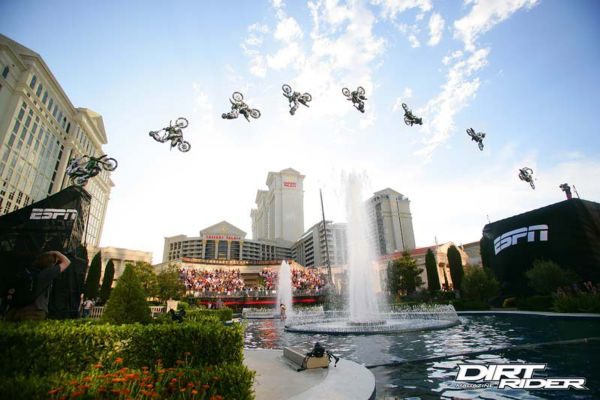 Mike Metzger back-flips the Ceasars Palace Fountains