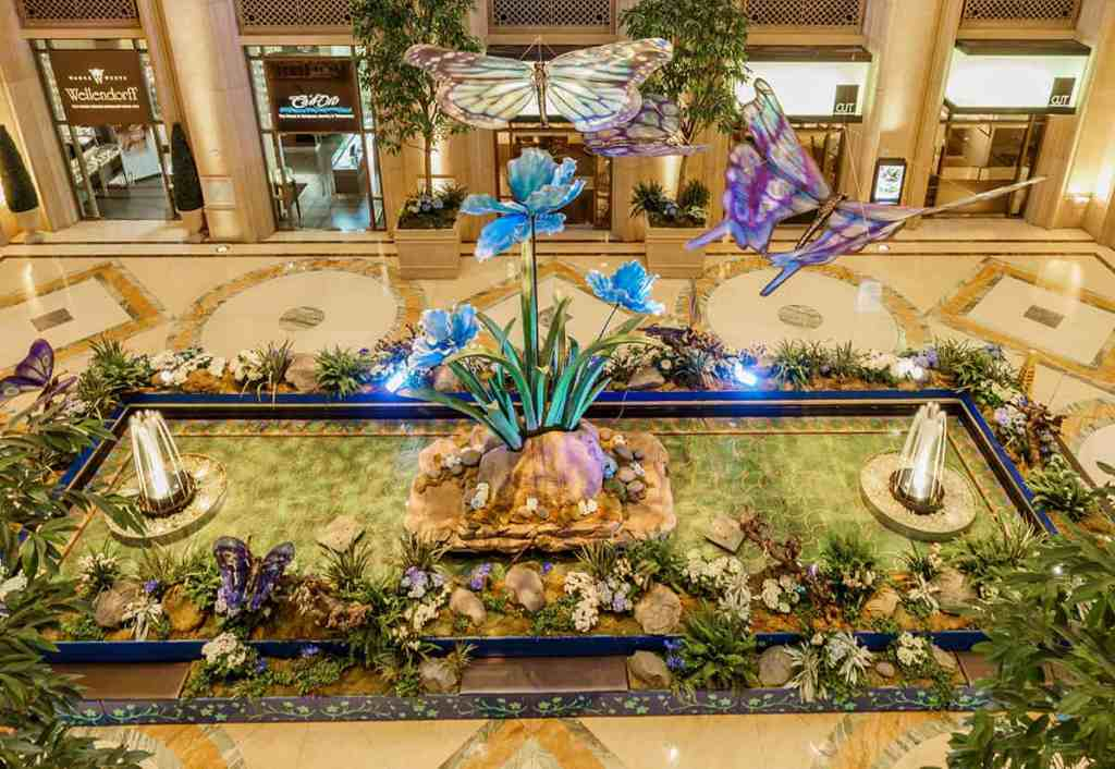 Palazzo Waterfall Atrium - Free Things to do in Las Vegas