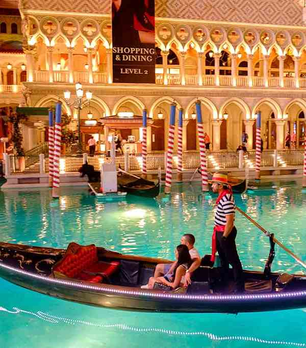 Gondola Rides at the Venetian - Las Vegas attractions for Couples