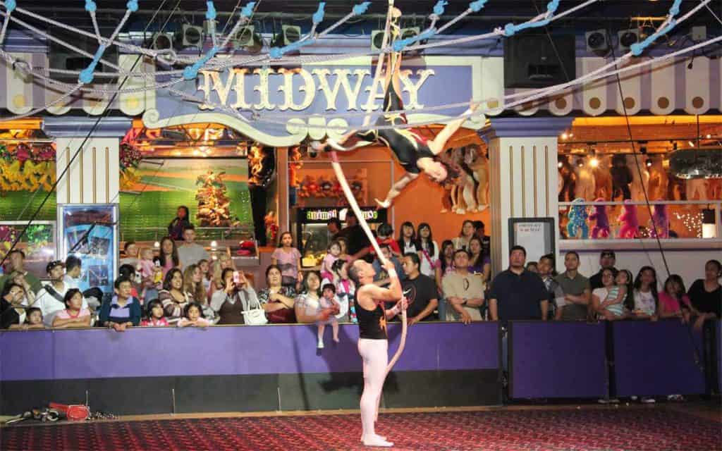 World's Largest Permanent Circus - Free Shows in Las Vegas