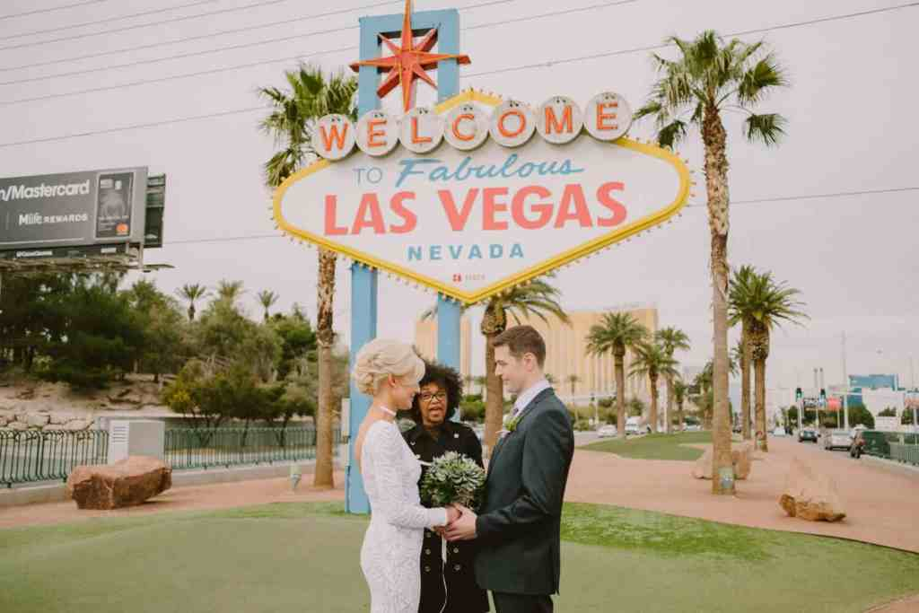 The Las Vegas Sign - Things to do on Vegas Strip