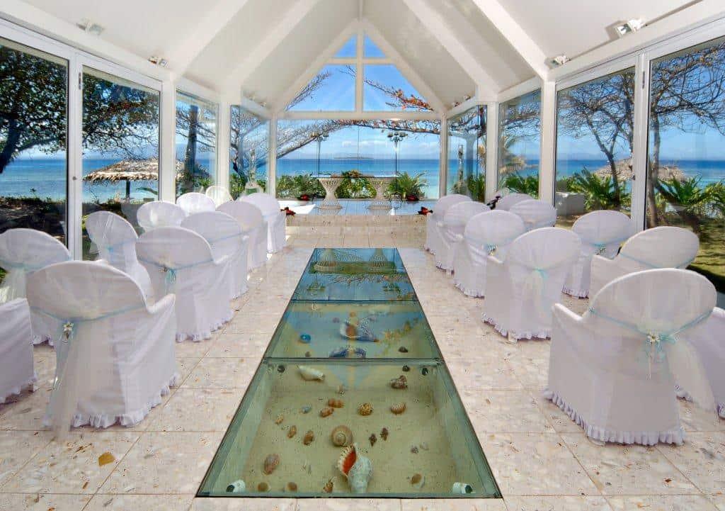 The Wedding Chapels at Treasure Island - Married in Vegas