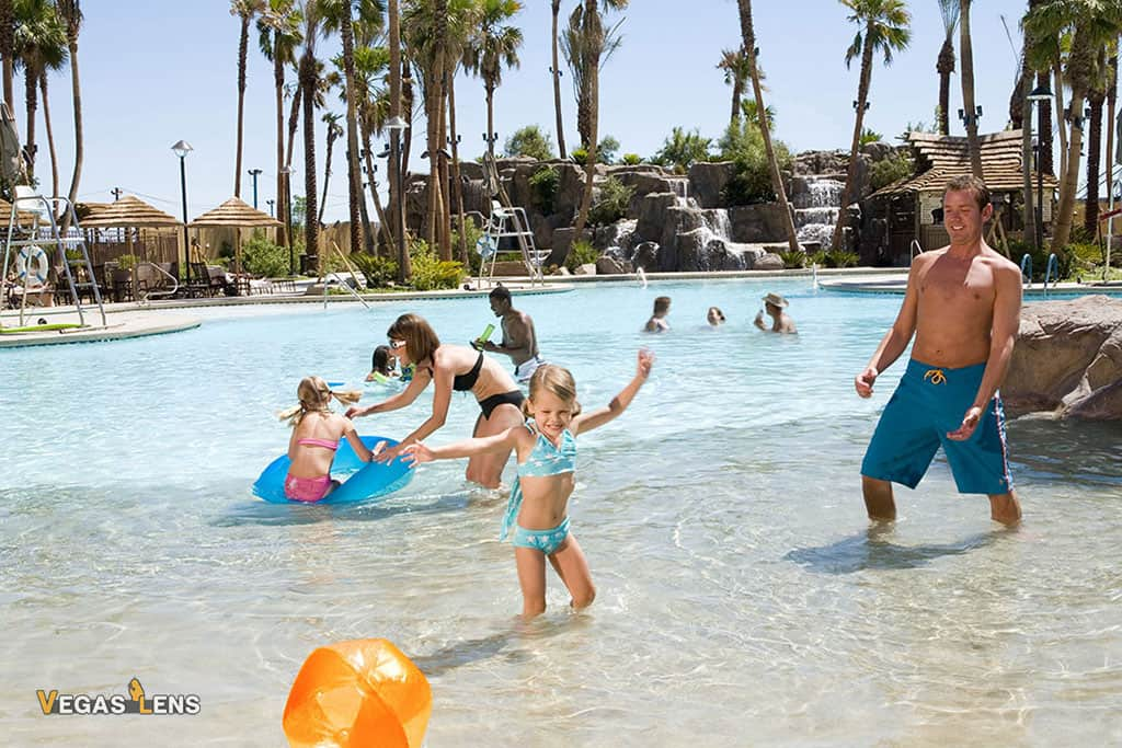 Tahiti Village Pool - Family Pools In Las Vegas