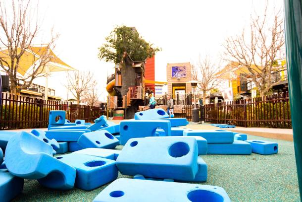Treehouse and Playzone, Container park, fun for kids, large foam blocks and kids climbing tree