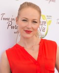 Jewel Accepts $10,000 Donation from Pure Via on behalf of Project Clean Water