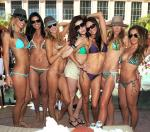 Brandi Glanville (3rd from left) with friends
