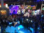 G2E Crowds Join Aristocrat to Celebrate the 10th Anniversary of Buffalo Slot Game