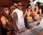 FANTASY girls dancing in the DJ booth with DJ Que