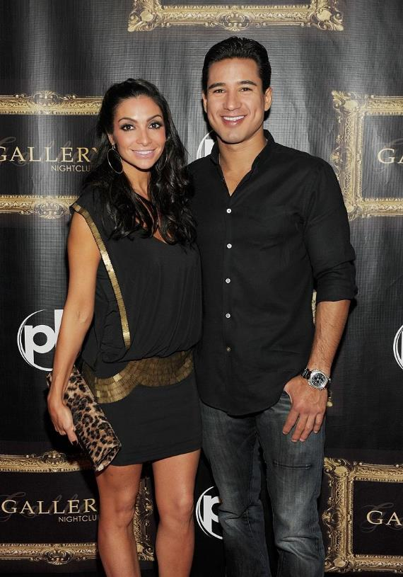 Mario Lopez and Courtney Mazza with their birthday cake at Gallery nightclub