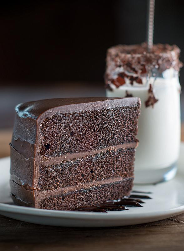 Indulge in Sweet Treats for National Dessert Day at Robert Irvine's Public House in Tropicana Las Vegas