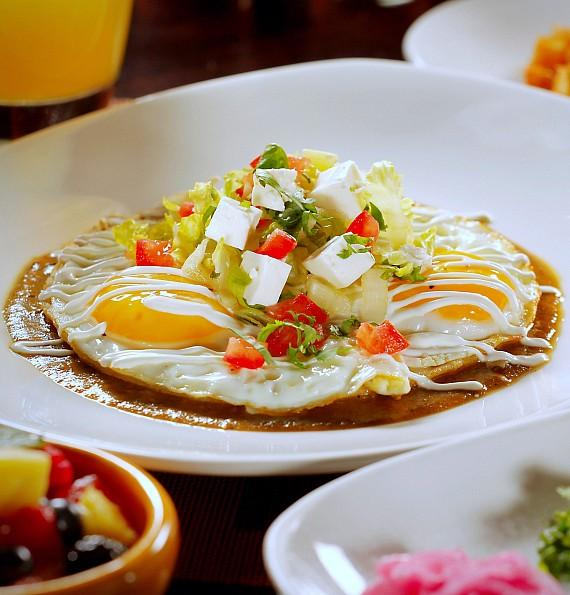 Tacos and Tequila to Spoil Moms with Mariachi Brunch for Mother's Day