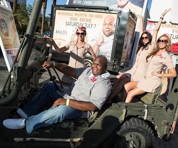 """Miller High Life's Windell Middlebrooks Visits Caesars' Resorts to """"Welcome Veterans Back to the High Life"""""""