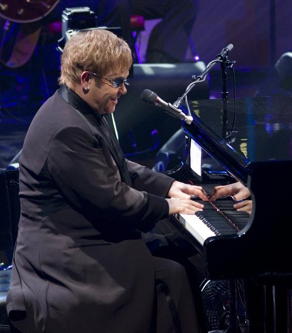"""Elton John to Celebrate 100th Performance of """"The Million Dollar Piano"""" at The Colosseum at Caesars Palace"""