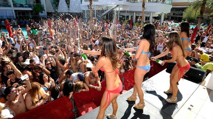 Friday Pool parties in Vegas