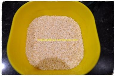 Sesame seeds before dry roast