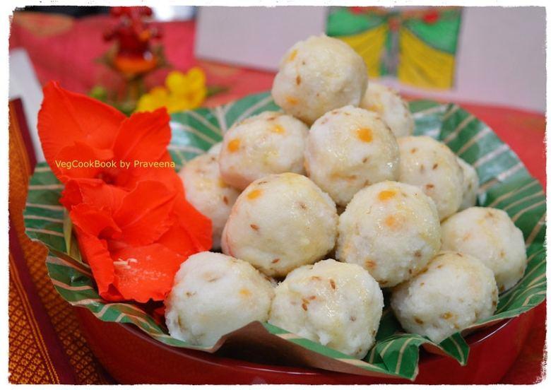 undrallu / steamed rice dumplings