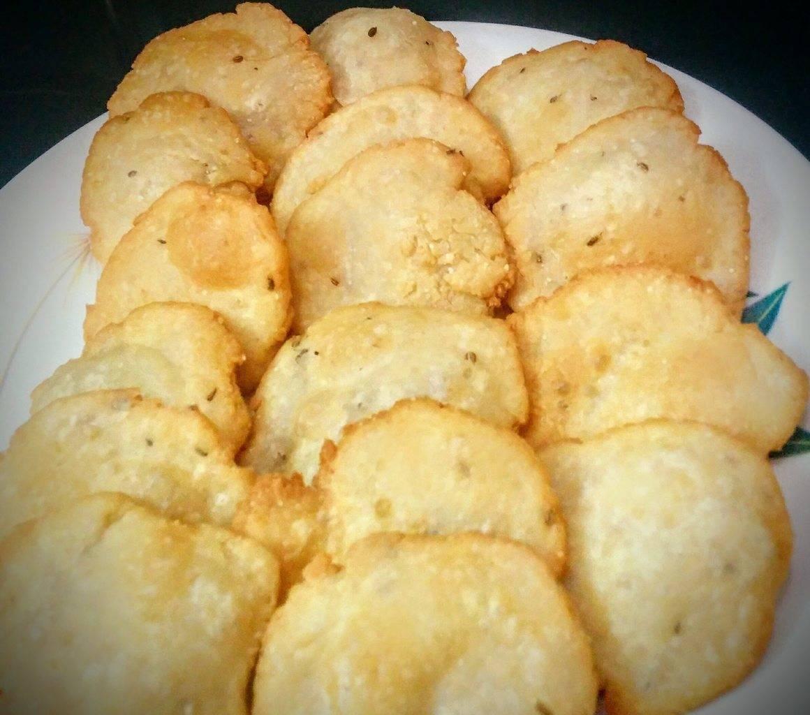 Namkeen Mathri Recipe