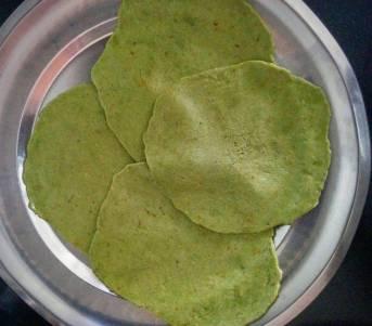 Palak Puri Recipe Instructions