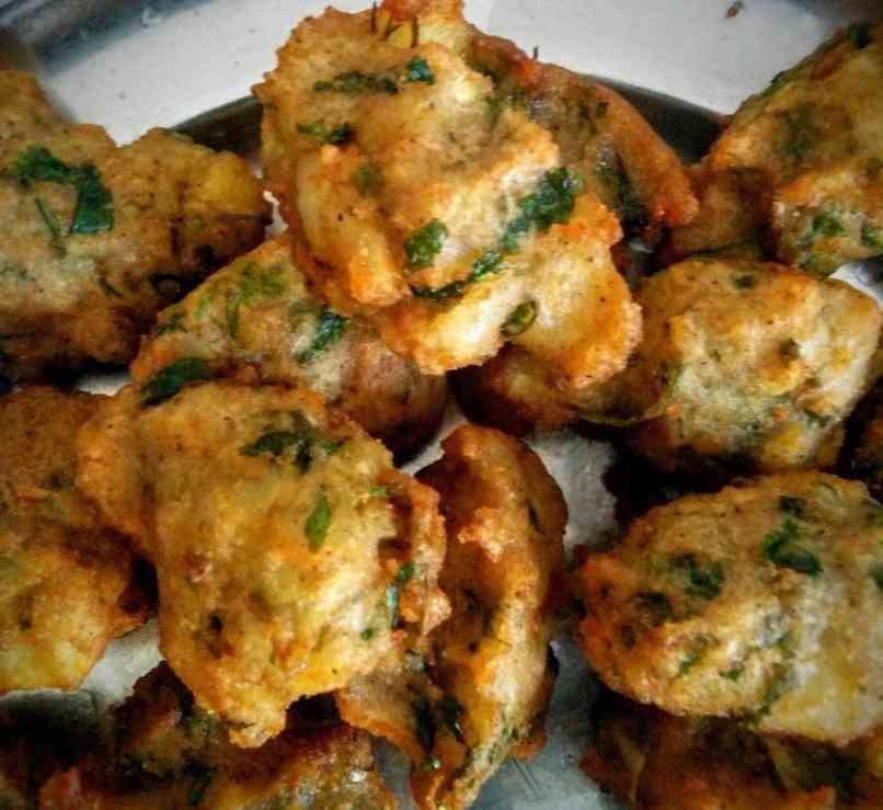 Singhare Ke Pakore Recipe Instructions