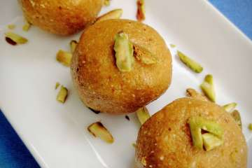 Besan Ladoo Recipe Step By Step Instructions