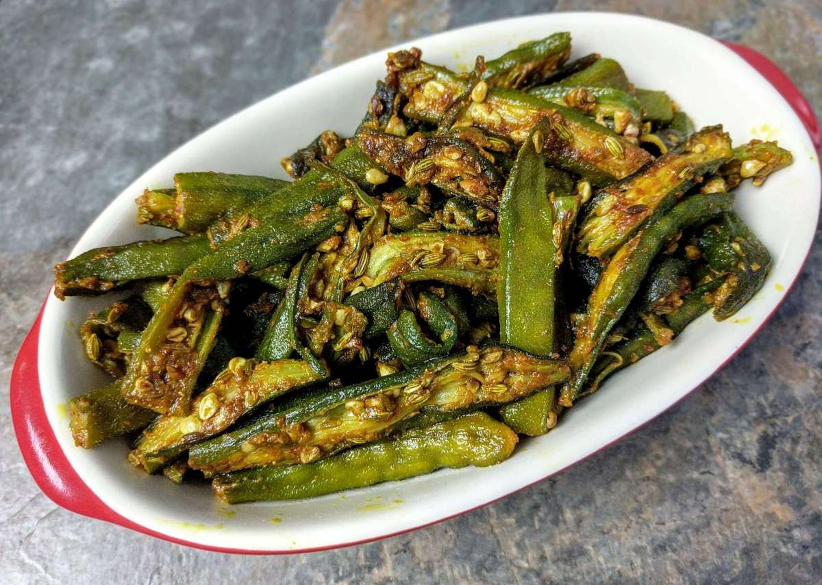 Bhindi Ki Sabzi Recipe (Okra Stir Fry Curry)