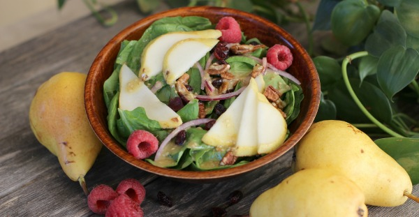 Spinach pear salad cropped for contact VK
