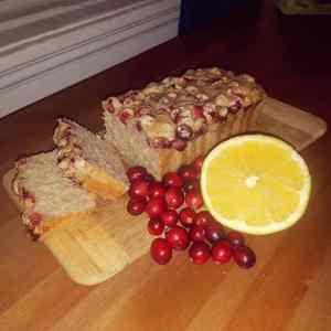 Gâteau aux canneberges et à l'orange (sans gluten)