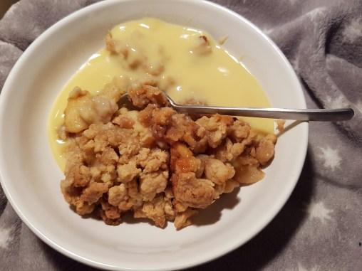 Bratapfel Crumble mit Vanillesoße