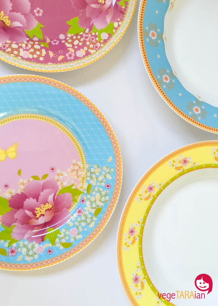 Colourful crockery  sc 1 st  vegeTARAian & My Monthly Loves link up - July16