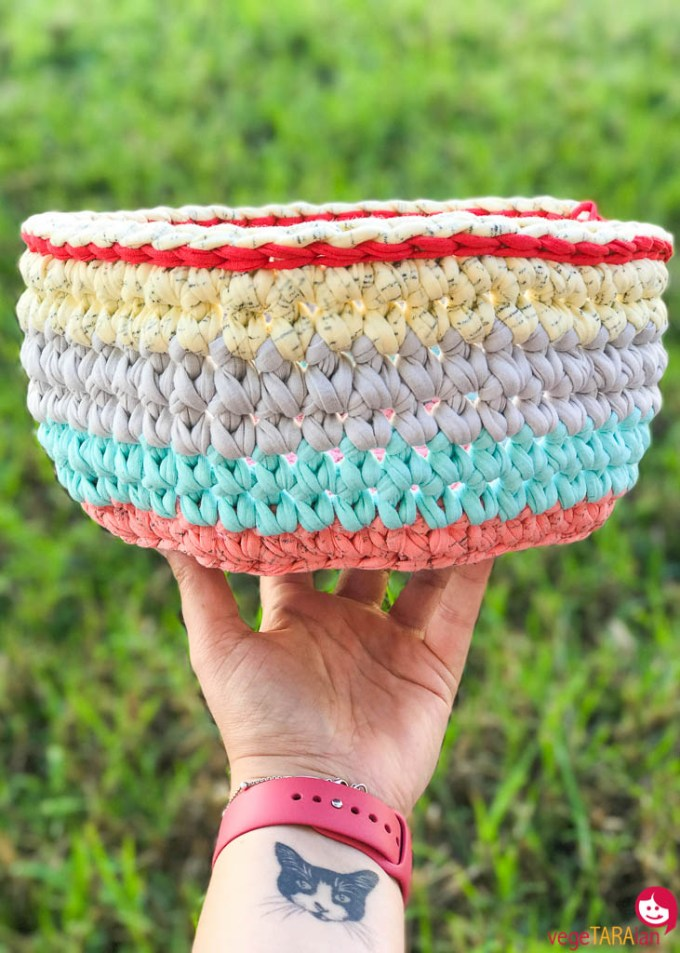 Crochet basket pastel large