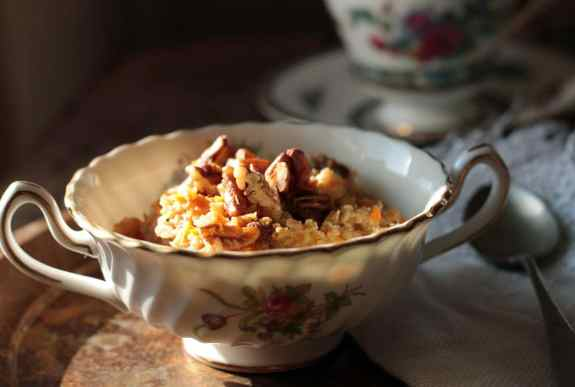 Carrot Cake Oatmeal with Pecans (vegan) | Veggie Desserts Blog