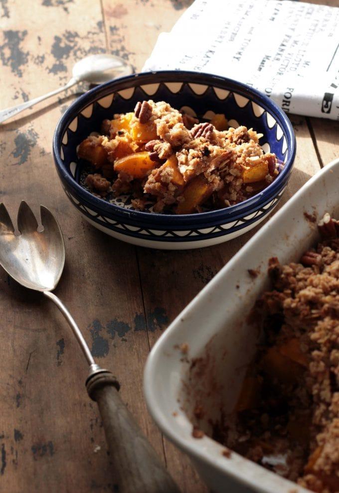 Pumpkin Spice Crisp (Crumble) with Gingerbread Pecan Topping | Veggie Desserts